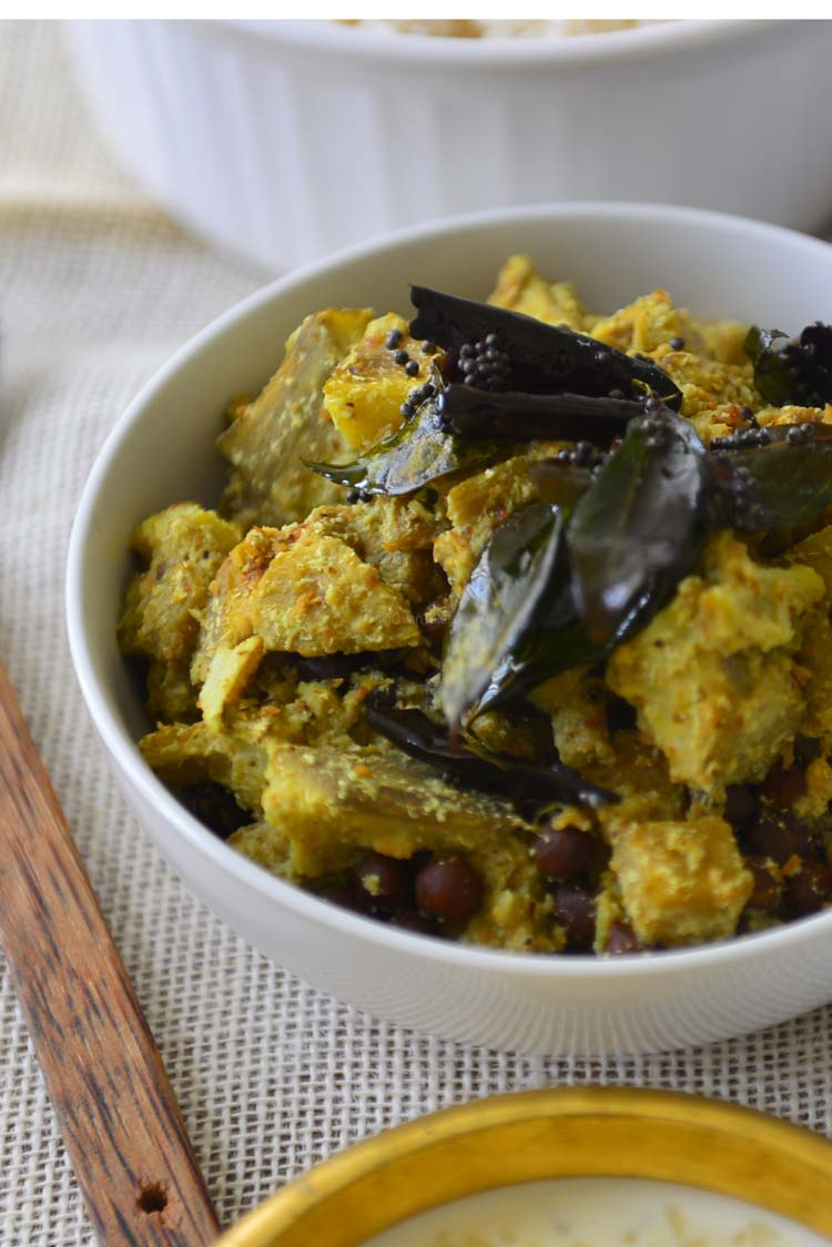 Koottu Curry - Vegetable and Chick Pea Dish For Sadya