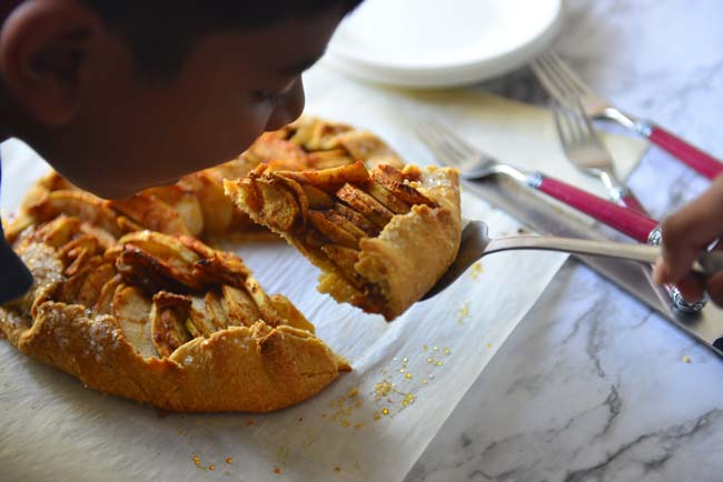 Yum - the easy pie fix - apple galette or apple crostata